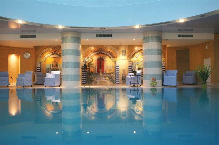 Расположение отеля hod hamidbar spa 4*lux: в центре туристической зоны эйн бокек